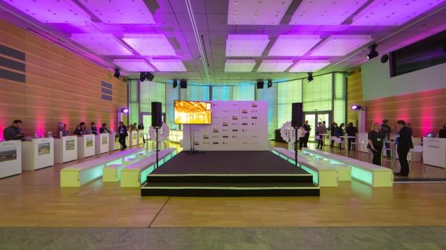 Auf der Destination Roadshow können Sie auf einen Schlag gleich mehrere deutschsprachige Event Destinationen kennenlernen. Event-Images-Berlin präsentierte sich mit einer Fotostation und dokumentierte die Veranstaltung. Es stellten sich am 09.10.2014 […]