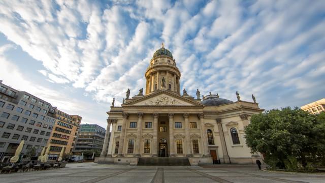 Am 09. und 10. Oktober 2014 begleitete Event-images-Berlin, wie auch in den vergangenen Jahren, die MEET BERLIN Tour. Wieder einmal öffneten an beiden Tagen viele spannende Event Locations, Hotels und […]