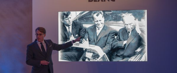 Kundenveranstaltung von MONTBLANC Vom Hotel Adlon Kempinski Berlin aus geht es in den Pauly Saal zum Dinner und im Anschluß in die Kennedy Ausstellung mit Produktpräsentation der Kennedy Edition von […]